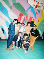 방탄소년단 빌보드 핫100 2주 연속 1위…뮤비는 3억 뷰 돌파