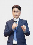 """""""시시각각 변하는 북한, 객관적 시각으로 봐야"""""""