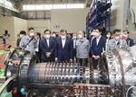 '한국형 뉴딜 응원' 창원 두산중공업 방문한 문재인 대통령
