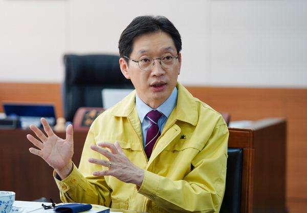 균형발전…초광역 지방정부가 이끈다 <2> 김경수 경남지사 인터뷰