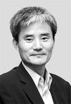 [국제칼럼] '수사지휘권 정국'의 역학 /이경식