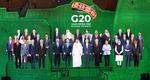 """합성한 G20 정상 단체사진…문재인 대통령 """"백신 공평한 보급 중요"""""""