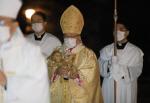 코로나19 성탄 전야…교황 미사 축소 국내 비대면 진행