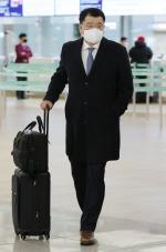 """최종건, 이란으로 출국… 이란 억류 선원 교섭 """"엄중한 상황"""""""