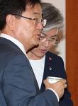 정의용 발탁 남북미 대화 복원 의지…親文 체제로 국정 강화