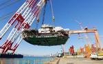 현대중공업 해상크레인, 9100t 초대형 해양설비 '번쩍'