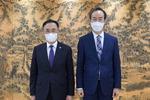 부산대 차정인 총장과 창원대 이호영 총장, 지역 국립대의 미래발전 방향 논의