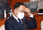 재난지원금 또 당정 충돌…홍남기 반기에 여당 사퇴론 압박