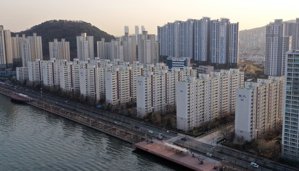 '수영현대' 정밀안전진단 통과…역대급 재건축 단지 부상