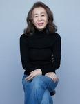 [이원 기자의 Ent 프리즘] 윤여정, 한국 배우 최초 오스카 연기상에 한 걸음 더