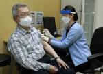 건협 채종일 회장, 코로나19 백신 예방접종
