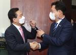 송영길(더불어민주당 대표)은 통합 행보, 김기현(국민의힘 원내대표)은 민생 투쟁