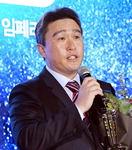 이동욱 감독, 3년 더 공룡군단 지휘