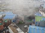 부산 사하구 수산물 가공공장 화재…대피하던 작업자 1명 사망