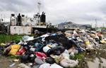 북항 재개발에 물양장 슬럼화…쓰레기가 바다를 이룬다