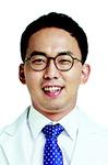 [손명균의 한방 이야기] 턱 괴기, 턱관절 장애 원인 될 수도