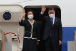 문 대통령, G7정상회의 참석 위해 영국으로 출발