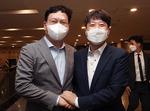'전국민 지원금' 합의 번복 후폭풍…압박하는 송영길, 발 빼는 이준석