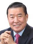 [CEO 칼럼] 수유칠덕(水有七德) /신한춘