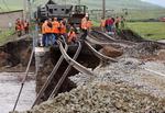 러시아 폭우로 교량 붕괴, 시베리아 열차 운행 중단
