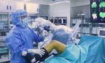 똑똑한 인공관절 수술 로봇 '마코'…최소 절삭·출혈로 회복 빠르게