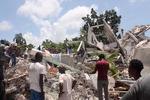 아이티 11년 만에 또 7.2 강진…최소 300명 숨져